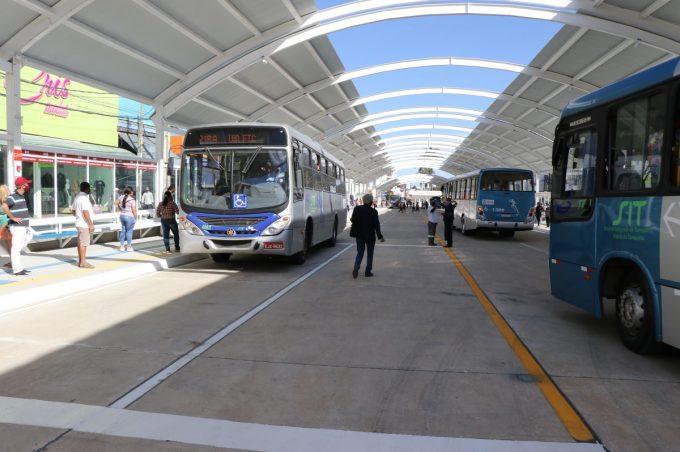 Com GPS e aplicativo, transporte coletivo reduz atraso e passageiro pode ver hora de chegada do ônibus no ponto