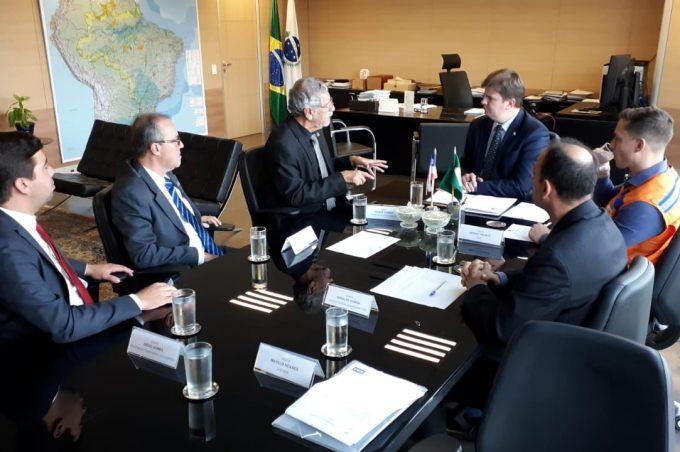 Prefeito é recebido em Brasília por ministro do Desenvolvimento Regional