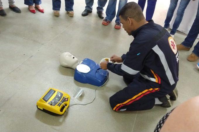 Equipe do CEMAE recebe capacitação para utilizar Desfibrilador em casos de emergência