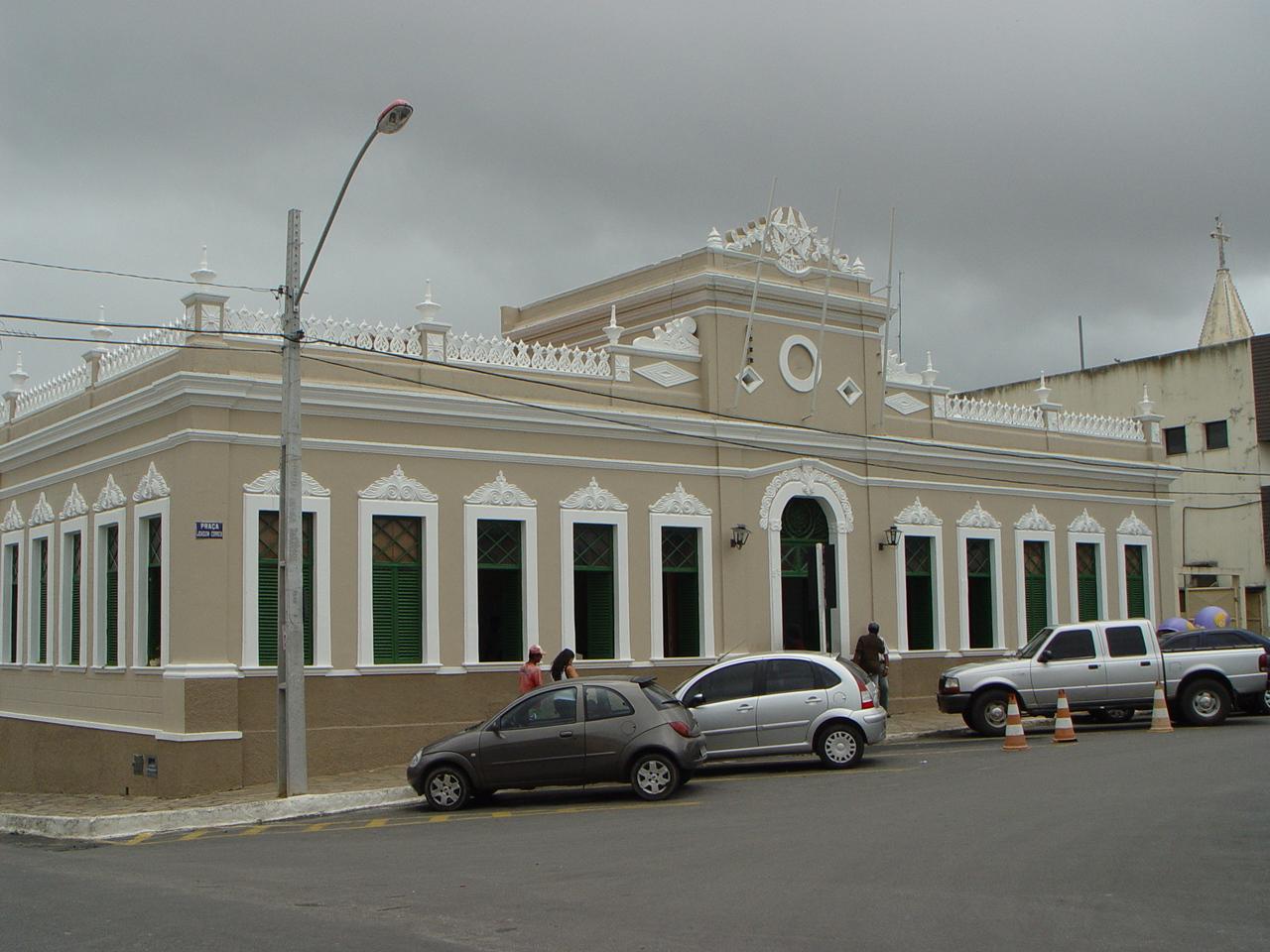 Resultado de imagem para sede da prefeitura de conquista