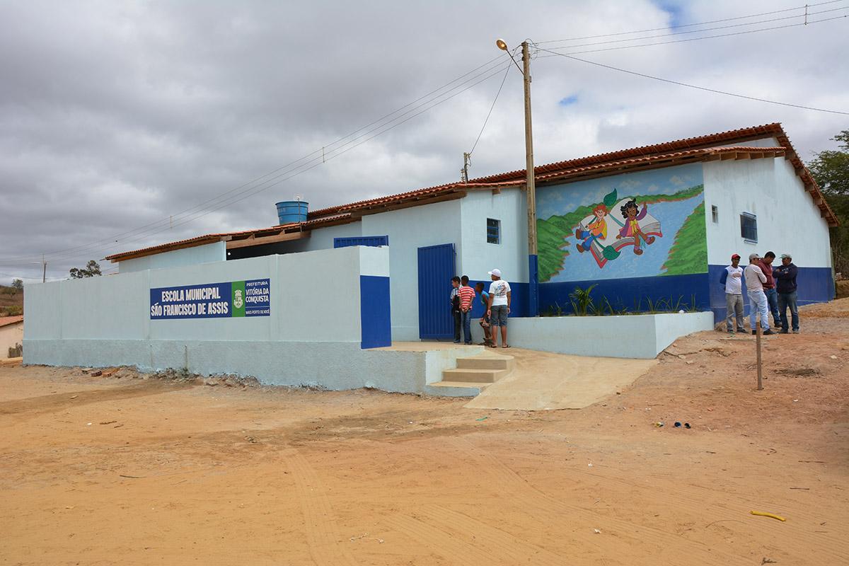 e4d8fbc11e8 Prefeitura entrega Escola São Francisco de Assis após reforma e ampliação