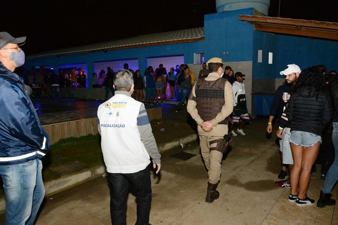 Operação Pacto Pela Vida: Prefeitura e PM encerraram festas clandestinas na madrugada deste sábado