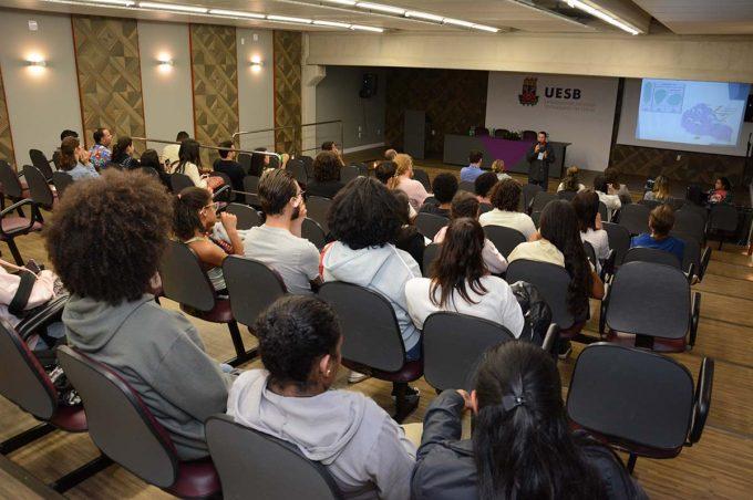 Prefeitura participa de mesa redonda sobre revitalização do Rio Verruga na Uesb