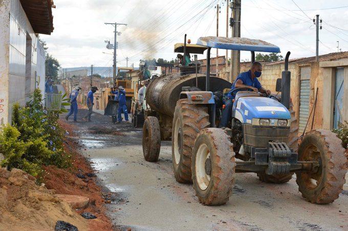 Obras de drenagem e asfaltamento no Renato Magalhães chegam a 90%