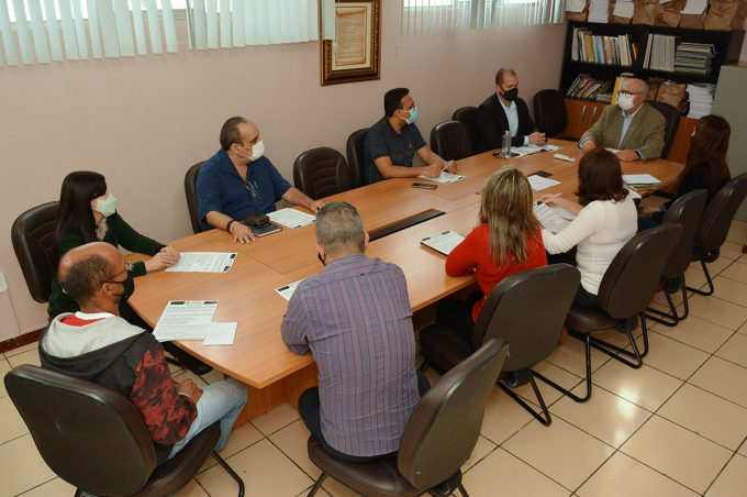 Educação institui comissão para avaliar o funcionamento das escolas municipais