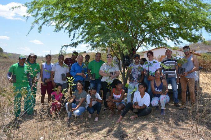 Dia nacional da árvore é comemorado com plantio de mudas nativas no distrito de Iguá