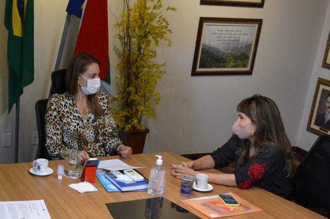 Prefeitura e Deam dialogam sobre projetos educativos no combate à violência contra a mulher