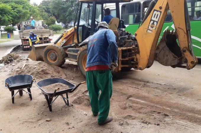 Apenados do Projeto Começar de Novo participam de força-tarefa para limpar o município após chuvas