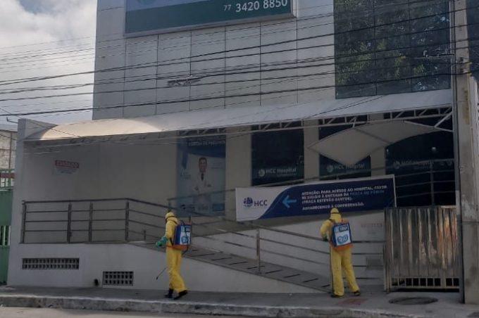 Descarte de lixo contaminado em Conquista: Prefeitura determina autuação de hospital e da empresa de transporte que jogou em lixeira comum material contaminado