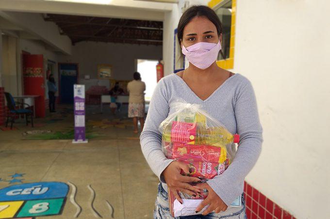 Kits alimentares são entregues em creches e centros municipais de Educação Infantil