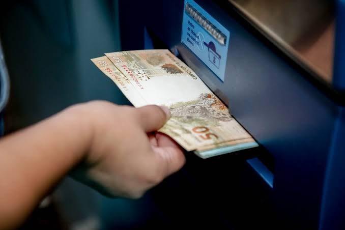 Prefeitura começa a pagar reajuste salarial de servidores em setembro
