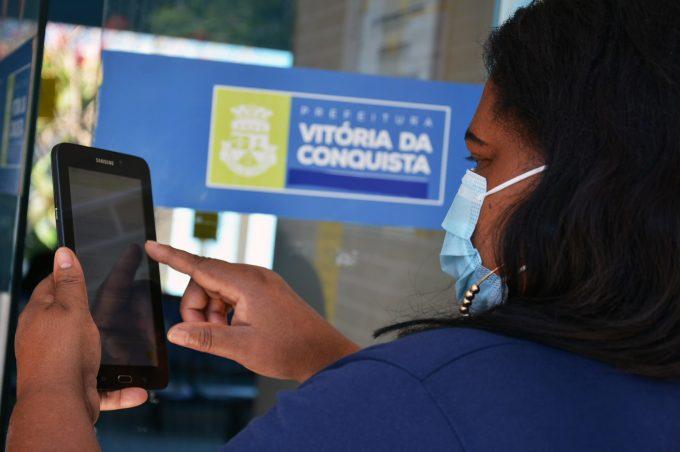 Prefeitura de Vitória da Conquista é pioneira em instalação de ficha de síndrome gripal em tablet de agente de saúde