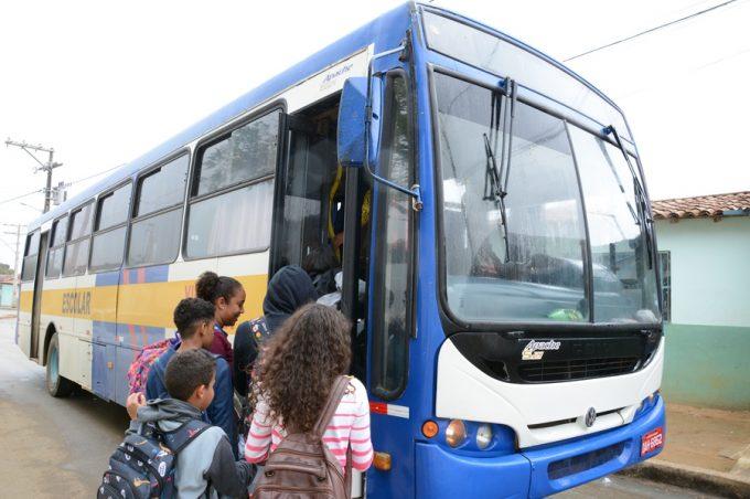 Transporte escolar da zona rural garante mais segurança aos estudantes